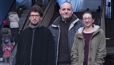 Hadrien Buclin, de solidaritéS, Yvan Luccarini, de Décroissance Alternatives, et Céline Misiego, du POP, sont les trois candidats d'Ensemble à gauche au Conseil d'Etat vaudois. (©François Graf/STRATES)